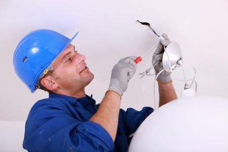 Electricista barato Electricista económico en Gradefes Directorio de empresas de electricidad, Electricistas económicos en Leon