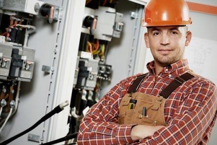 Su electricista baratos en Las Labores