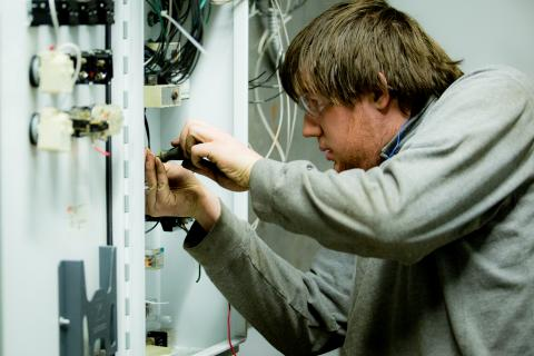 Su electricista low cost en L' Ametlla del Valles