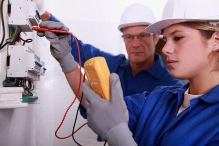 Electricistas económicos en Fuente la Reina