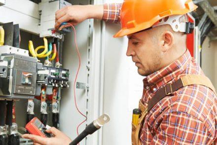 Electricistas baratos en Muñana