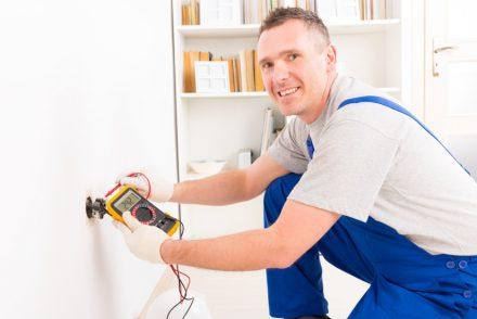 Técnico Electricista low cost en Mataro