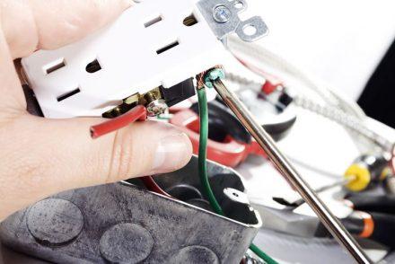 Electricista baratos en Celada del Camino