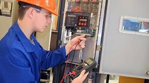 Técnico Electricista low cost en Moraleja de Matacabras
