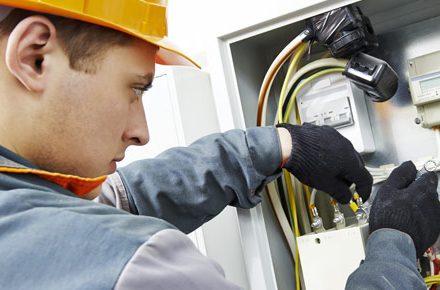 Técnico Electricista económicos en Amavida