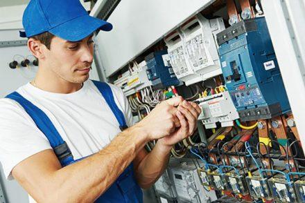 Su electricista low cost en Almedina
