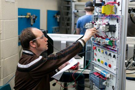 Electricistas baratos en Mazuela