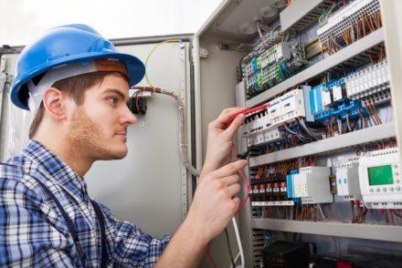 Técnico Electricista económicos en Benlloch