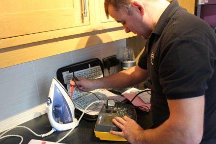 Técnico Electricista low cost en Luciana