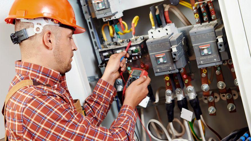 Técnico Electricista low cost en Sant Quirze Safaja